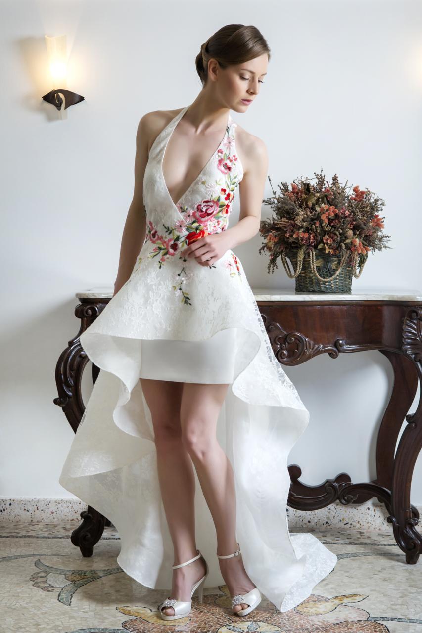 abito per sposa con gonna corta
